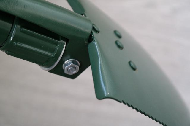 О лопатах в машину: маленькая, складная для внедорожника, как выбрать, описание