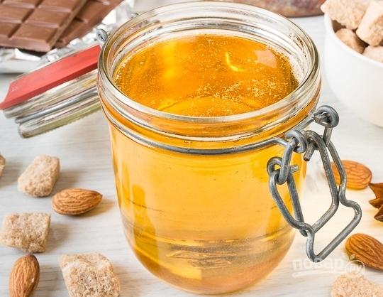 О подкормке пчел осенью сахарным сиропом в пакетах: сроки, как кормить, таблица