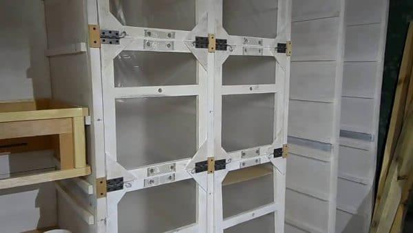 О павильоне для пчел: виды, стационарный и кассетный пчелопавильон своими руками
