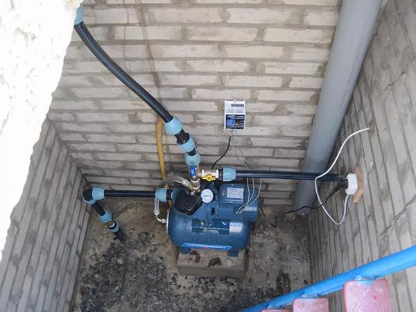 О насосной станции для дачи: поверхностный насос для полива огорода и сада