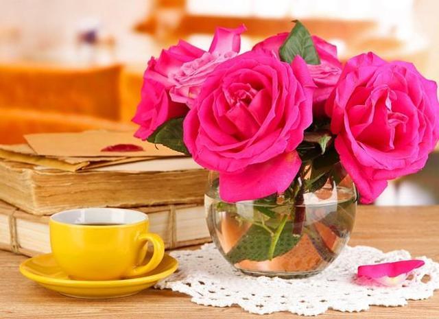 О реанимировании розы в вазе: как оживить и спасти увядший цветок